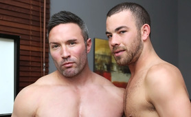Brock Landon And Parker Perry - Muscle Top Brock Landon Gets Fucked By Uncut Parker Perry