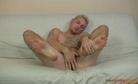Toe Sucking Guys - Jason Lee