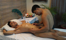 Gilberts Erotic Tickling Massage